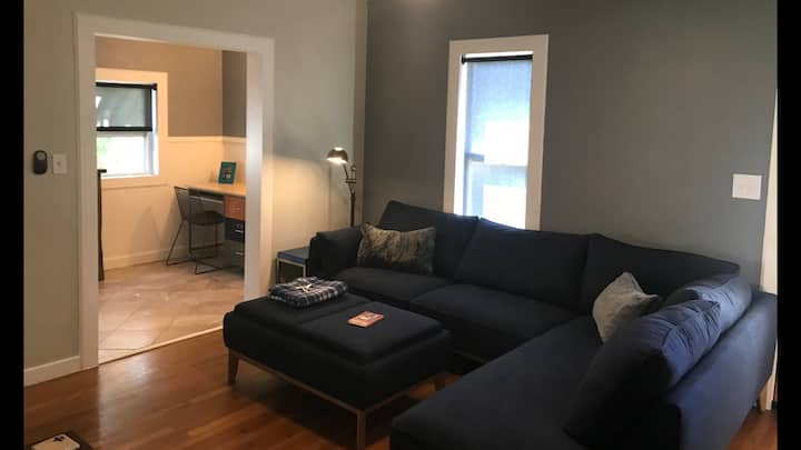 Comfortable house and room close to downtown