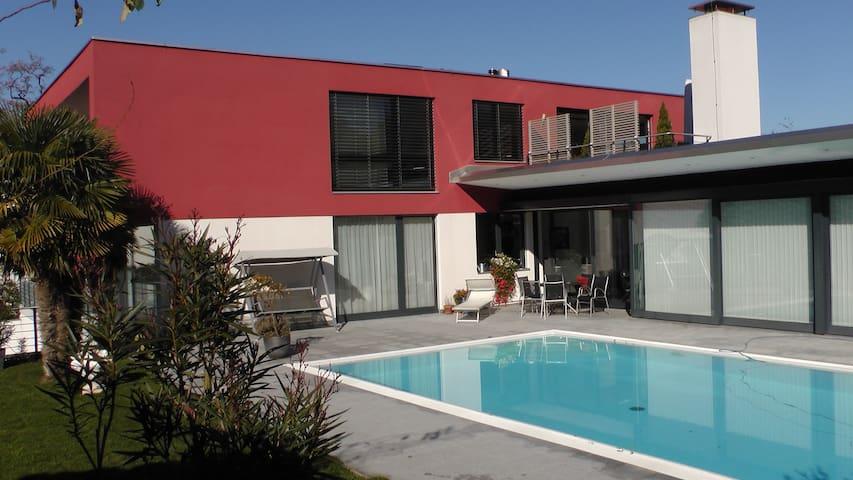 Exklusive Ferienwohnung Nähe Luzern - Kastanienbaum - Apto. en complejo residencial