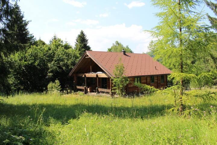 Kleines Zimmer in Holzhaus im Rosental