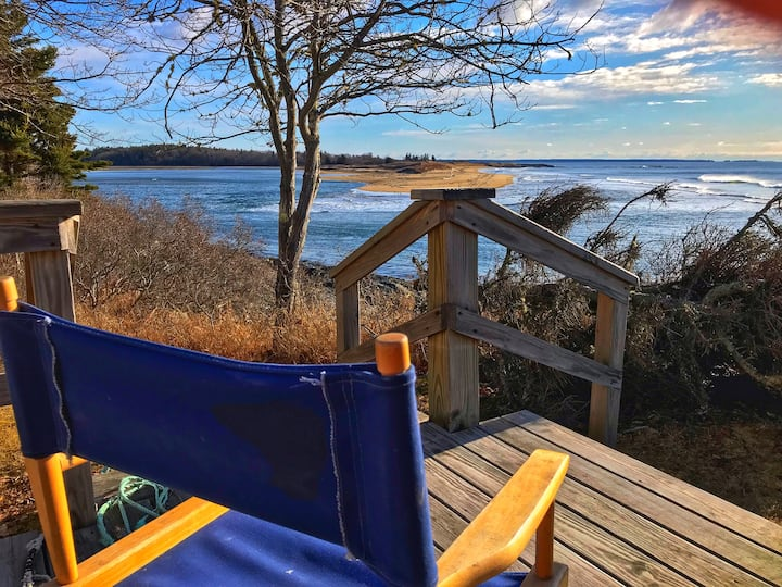 Maine Beach Cottage with Endless Views