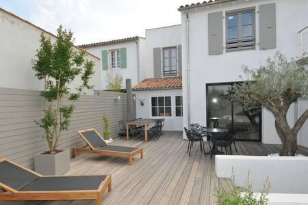 Villa d'architecte avec Spa - ラ・フロットゥ - 別荘
