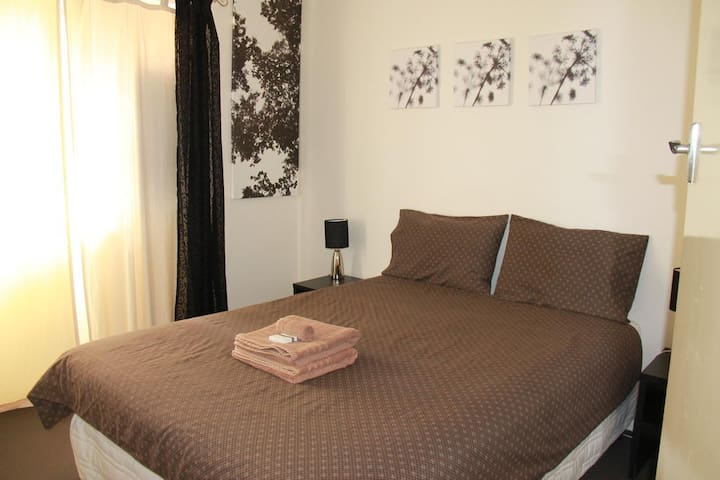 One Bedroom Apartment (West Perth) - West Perth - Apartment