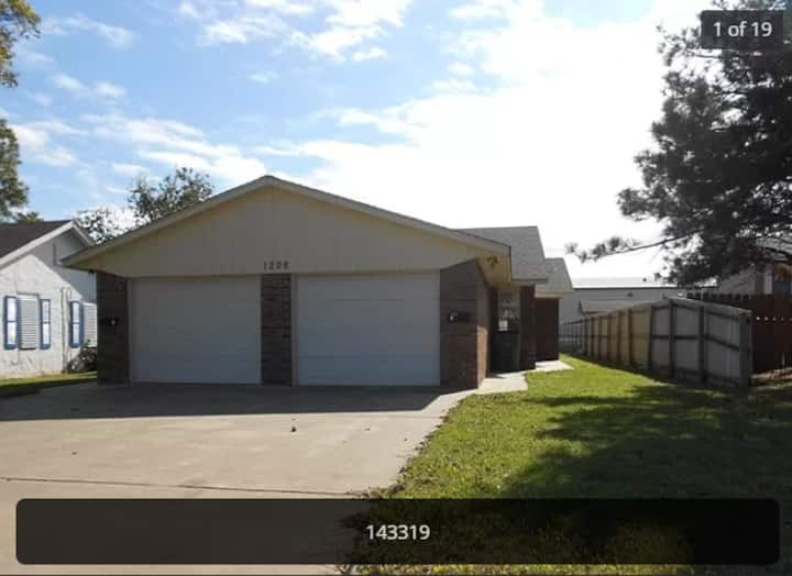 Duplex Property minutes  from Fort Sill