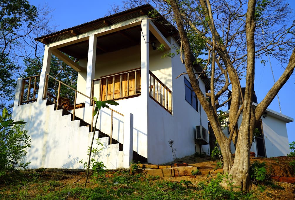 Front entrance to the cabin