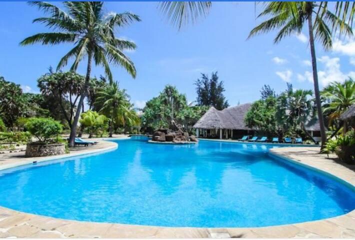 Coastal Soul-Stunning Beach Holiday Villa, Malindi