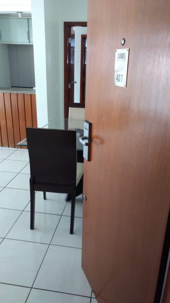 Flat Centro / portaria/ piscina /academia / sauna