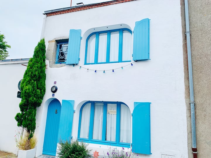 Tiny trendy house in Center of Noirmoutier Island