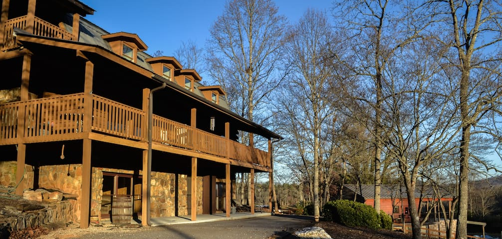 ODOM SPRINGS VINEYARDS LODGE - Blairsville - Mökki
