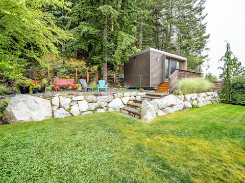 Gorgeous Squamish Cottage