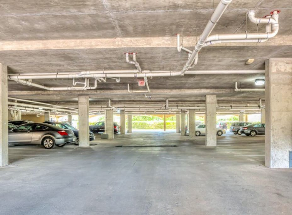 Covered Parking for guests. No need to uber or drive to the NRG Stadium. Also walking distance from Rice Village for shopping and great food options.