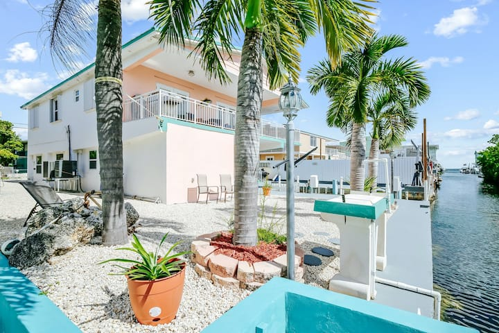 Colorful waterfront home w/ dock, ocean view, and central AC - snowbirds welcome
