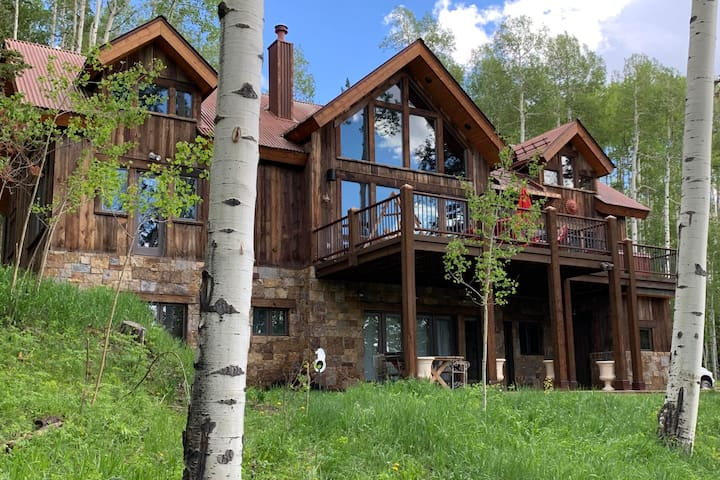 New!!!! Telluride Delight with hot tub on deck!
