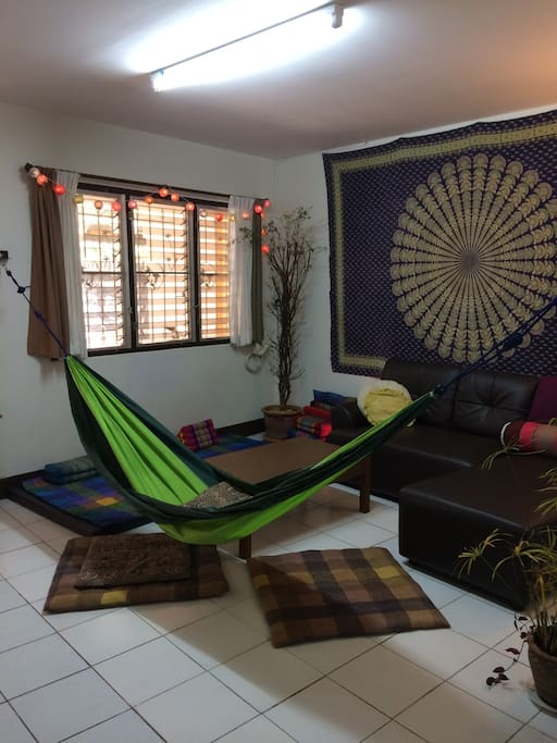 Hammock can easily set up or take down