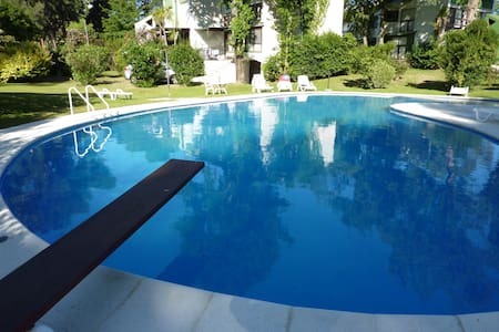 Hermosa casa en country de 10.000 m2 con piscina - Maldonado - Villa