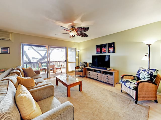 Luxe 3BR w/ Pool & 2 Private Lanais, Walk to Beach