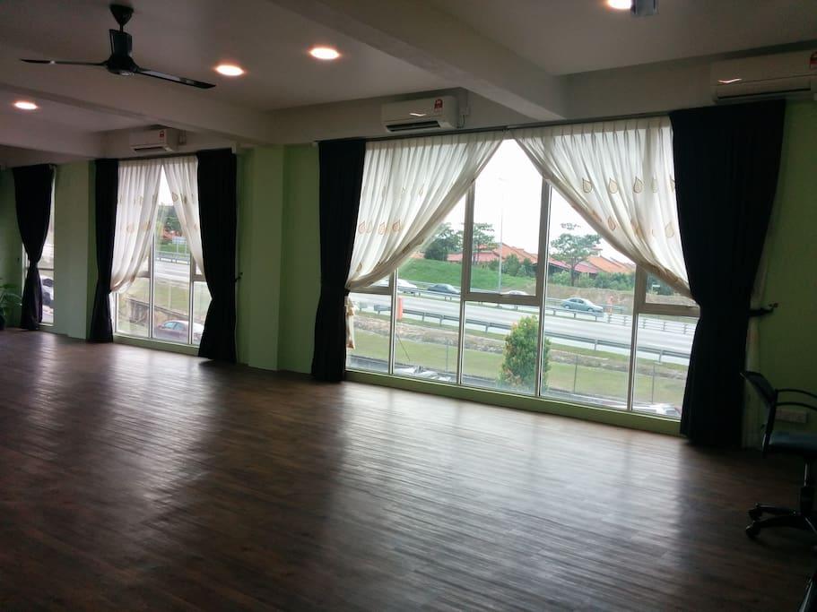 Spacious hall pic 2