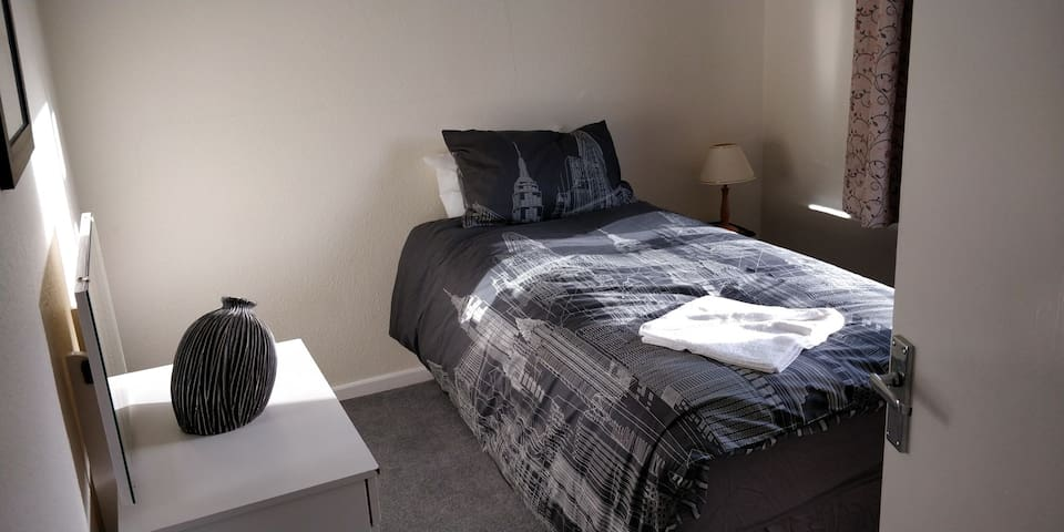 Albrighton 2 bed Apartment. between Telford/Wolves