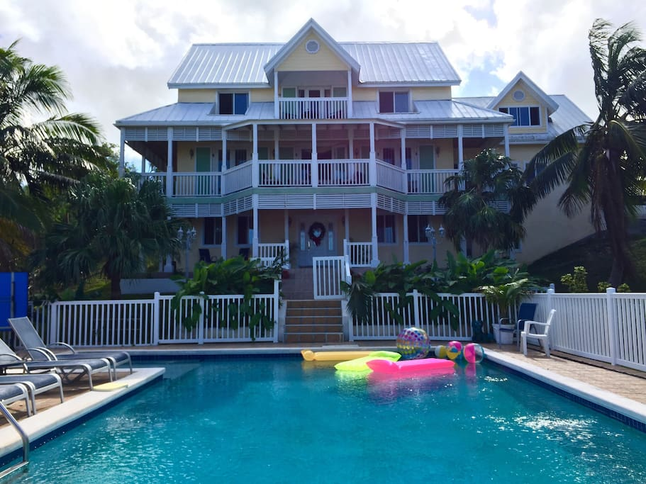 Cozy 1 Bedroom Studio By Pool Apartments For Rent In Nassau New Providence Bahamas