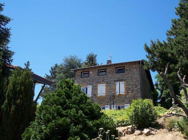 Maison en pierres pour 8 personnes (+ bébé) - Saint-Loup - Casa