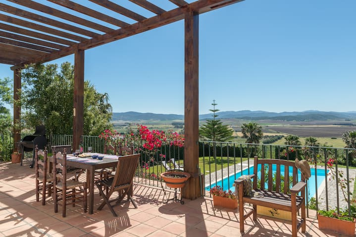 Villa Lino, 3 bedrooms, pool and exceptional views