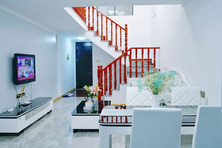 一南·民宿/万达对面/复式公寓/两居室