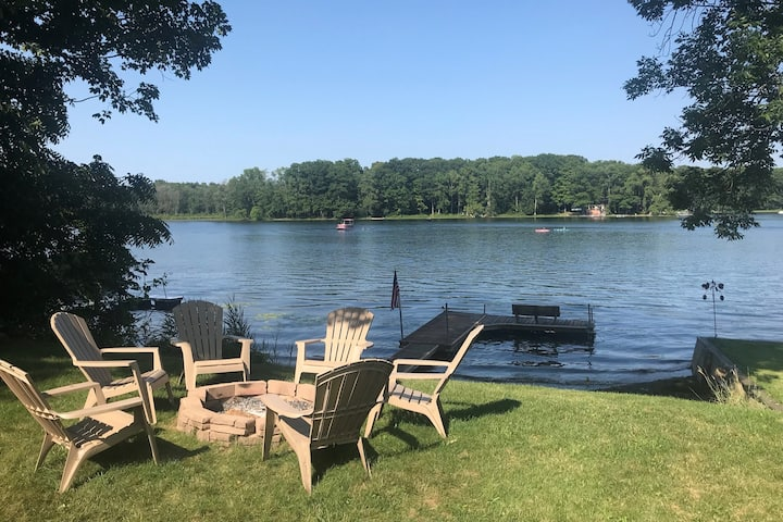 Lakefront Getaway - relax & recharge on Song Lake!