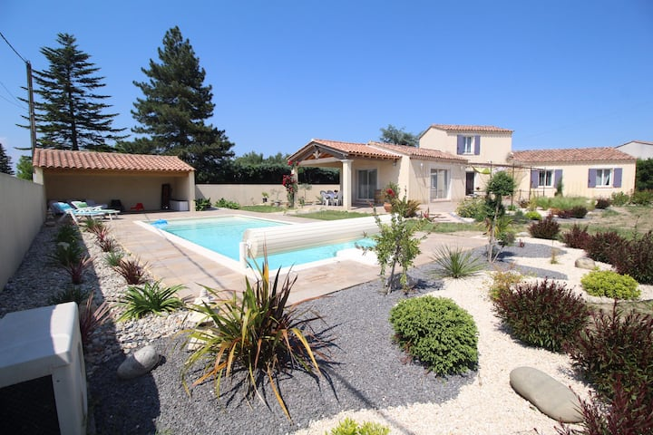 Villa familiale avec piscine chauffée