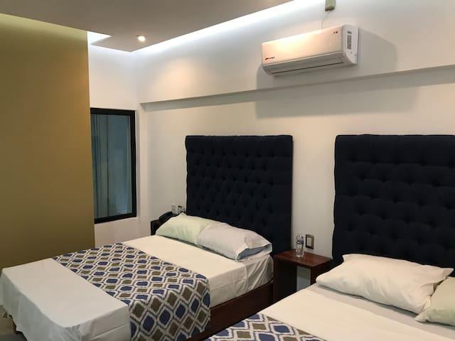 HOTEL PLAZA AMALIA
