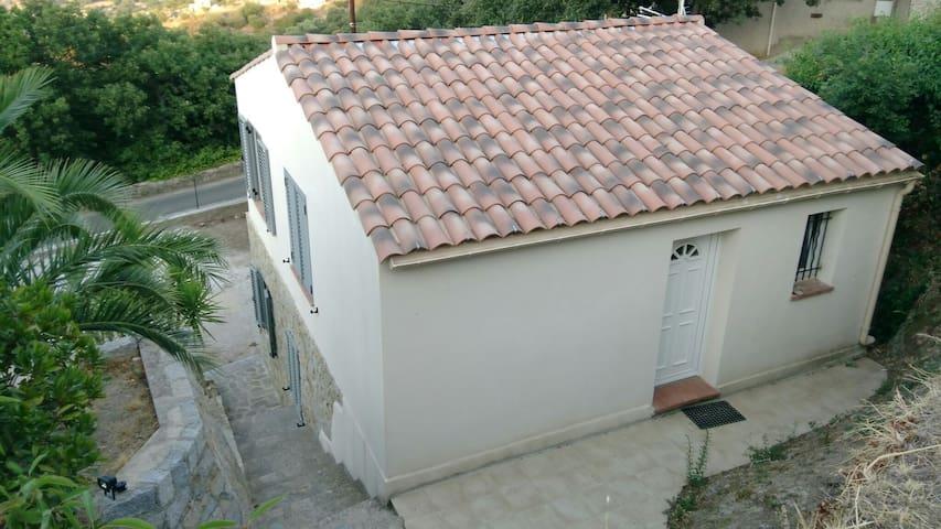Haut de maison L'Arbousier