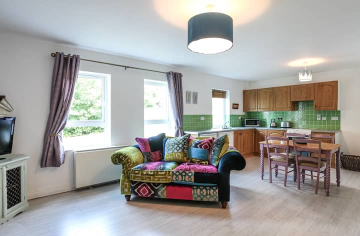 2 bed ground floor boutique town centre apartment