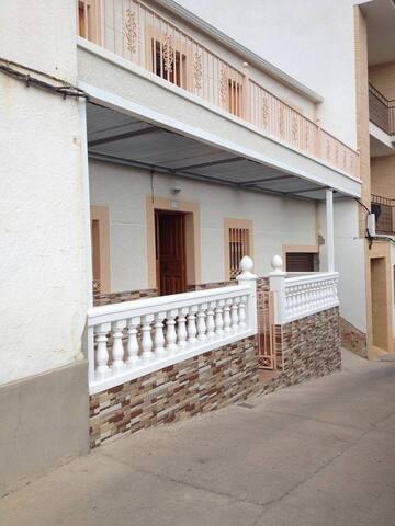Habitación en Casa de pueblo (Hay 3 habitaciones)