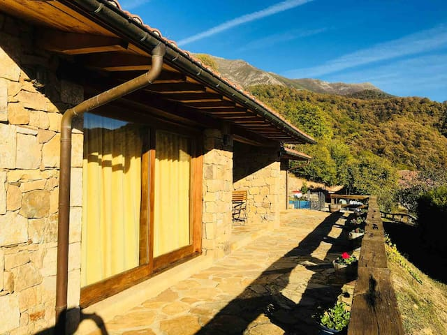 Casa Rural La Huerta I (Potes, Cantabria)