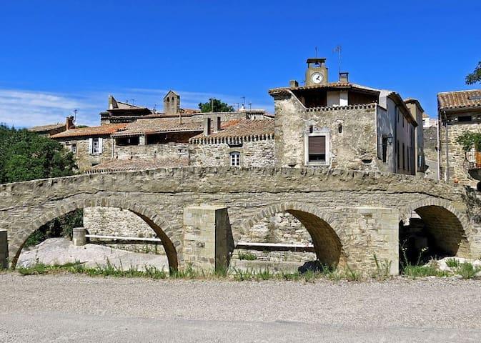 Maison dans charmant village proche Carcassonne