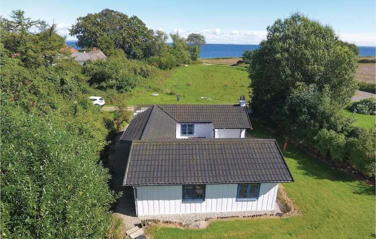 Holiday cottage with 3 bedrooms on 84m² in Augustenborg