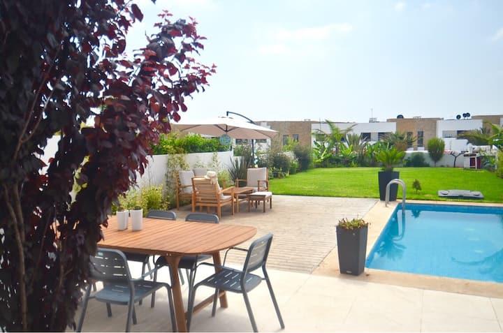 Superbe Villa avec piscine à proximité de la plage