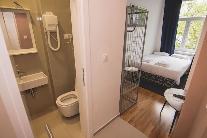 No. 1 BRAND NEW DOWNTOWN ROOM WITH BATHROOM