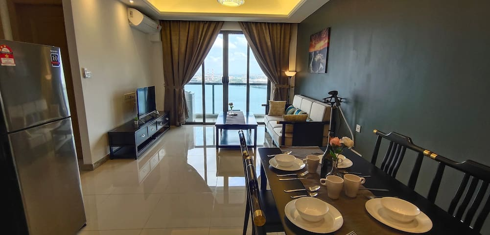Nice&Cozy 22floor family suite R&F 富力公主湾@Jb CS KSL