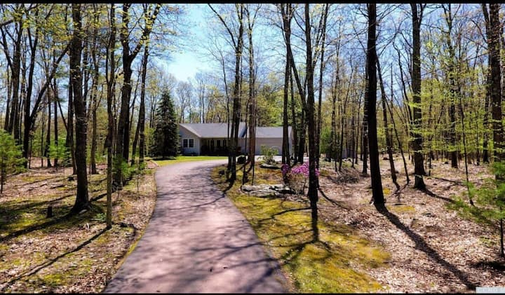 Secluded Catskill Cottage on 25 acres