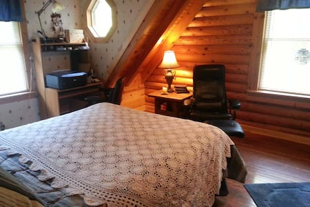 Log Home Experience-2nd floor - Earleville - Blockhütte
