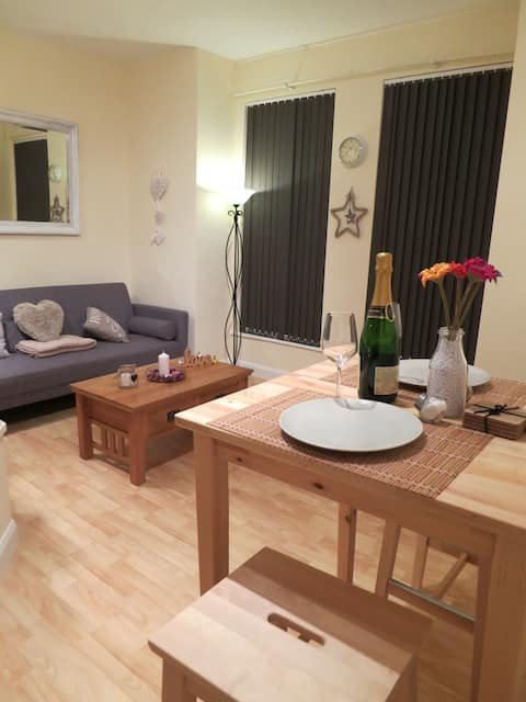 Stylish, comfortable 1 Bed Flat. West Didsbury.