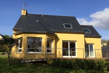 Chambre dans Maison colorée - Landerneau