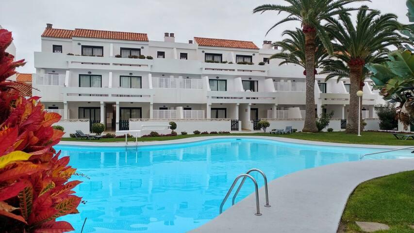 Apartamento con piscina en Los Cancajos