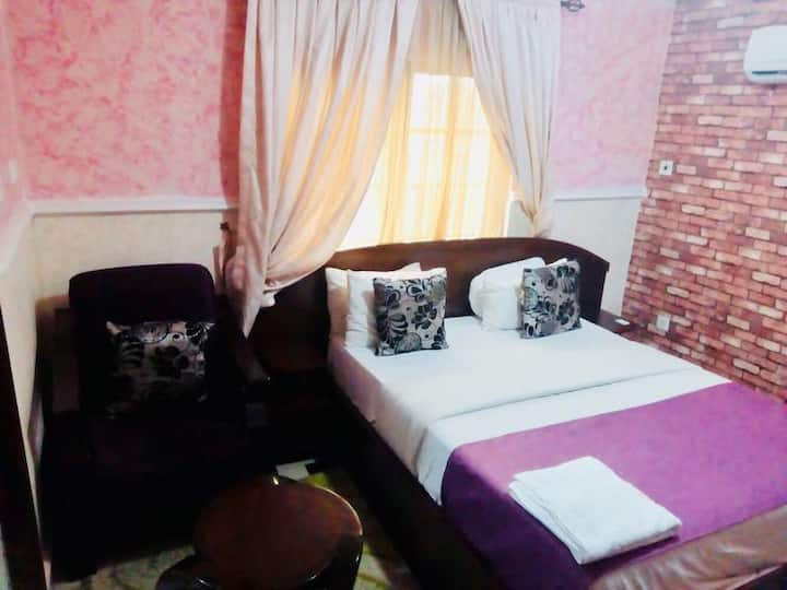 Limoh Suites - Deluxe Room