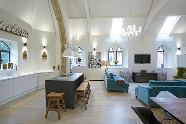 Beautifully Furnished Victorian Church Conversion - Oswestry - Lainnya