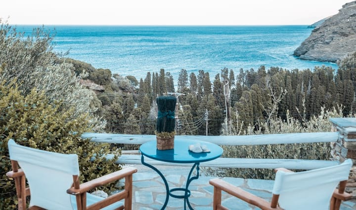 The Seaside Getaway - Next to Gialia Beach