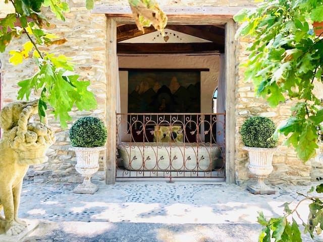 Stone Cottage Retreat