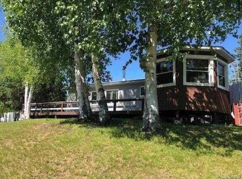Lac-Jim 4 Season Cottage