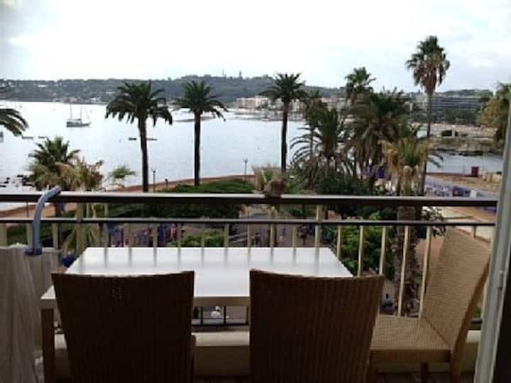 Côte d'Azur, Studio front de mer à Antibes