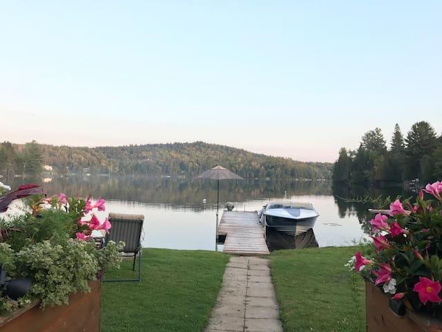 Spectacular 4 Season Chalet/House on Blue Sea Lake