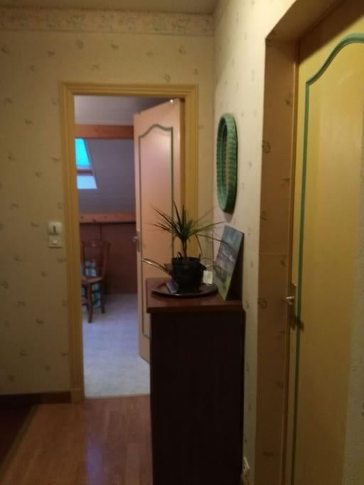 palier SDB toilettes à proximité